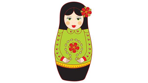 בבושקה עם פרח בשיער
