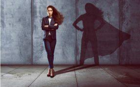 אישה חזקה ומצליחה